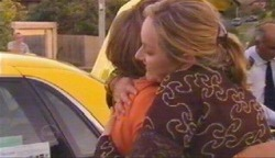Steph Scully, Janelle Timmins in Neighbours Episode 4893