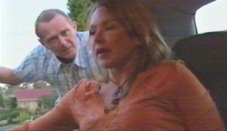 Max Hoyland, Steph Scully in Neighbours Episode 4893
