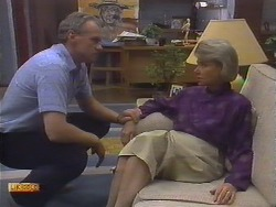 Jim Robinson, Helen Daniels in Neighbours Episode 0646