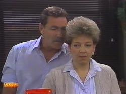 Malcolm Clarke, Eileen Clarke in Neighbours Episode 0647