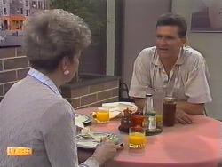 Eileen Clarke, Des Clarke in Neighbours Episode 0647