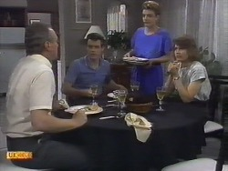 Jim Robinson, Paul Robinson, Gail Robinson, Beverly Marshall in Neighbours Episode 0650