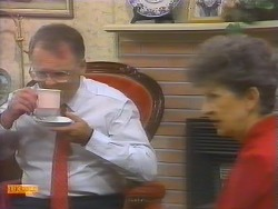 Harold Bishop, Nell Mangel in Neighbours Episode 0651