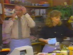 Harold Bishop, Sally Wells in Neighbours Episode 0652