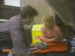 Tony Romeo, Charlene Mitchell in Neighbours Episode 0652