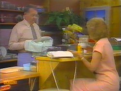 Harold Bishop, Madge Bishop in Neighbours Episode 0652