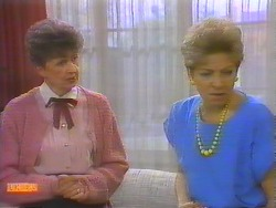 Nell Mangel, Eileen Clarke in Neighbours Episode 0652