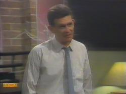 Des Clarke in Neighbours Episode 0653