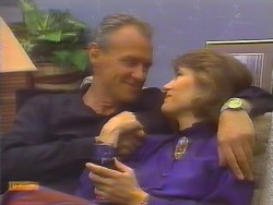 Jim Robinson, Beverly Marshall in Neighbours Episode 0654