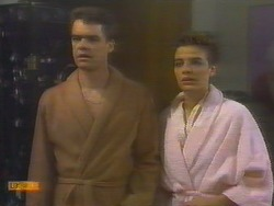 Paul Robinson, Gail Robinson in Neighbours Episode 0654