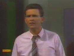 Des Clarke in Neighbours Episode 0654
