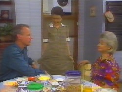 Jim Robinson, Lucy Robinson, Helen Daniels in Neighbours Episode 0654