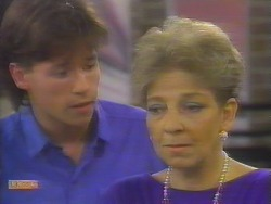 Mike Young, Eileen Clarke in Neighbours Episode 0654