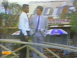Pete Baxter, Des Clarke in Neighbours Episode 0655