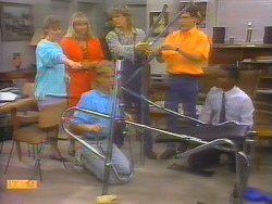 Sally Wells, Jane Harris, Scott Robinson, Henry Ramsay, Tony Romeo, Pete Baxter in Neighbours Episode 0655