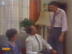 Nell Mangel, Harold Bishop, Des Clarke in Neighbours Episode 0658