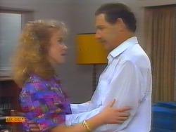 Sally Wells, Malcolm Clarke in Neighbours Episode 0658