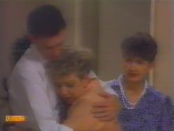 Des Clarke, Eileen Clarke, Nell Mangel in Neighbours Episode 0658