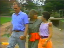 Jim Robinson, Beverly Marshall, Lucy Robinson in Neighbours Episode 0659