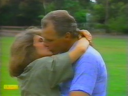 Beverly Marshall, Jim Robinson in Neighbours Episode 0659