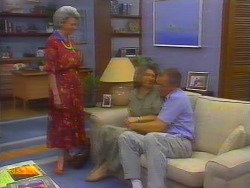 Helen Daniels, Beverly Marshall, Jim Robinson in Neighbours Episode 0660