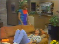 Madge Ramsay, Henry Ramsay in Neighbours Episode 0660