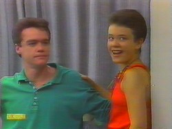 Paul Robinson, Lucy Robinson in Neighbours Episode 0660