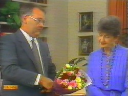 Harold Bishop, Nell Mangel in Neighbours Episode 0661