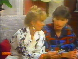 Jane Harris, Mike Young in Neighbours Episode 0661