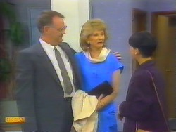 Harold Bishop, Madge Bishop, Hilary Robinson in Neighbours Episode 0661