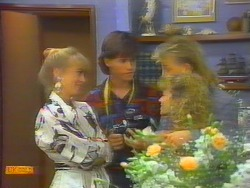 Jane Harris, Mike Young, Scott Robinson, Charlene Mitchell in Neighbours Episode 0661