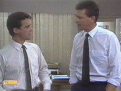 Paul Robinson, Des Clarke in Neighbours Episode 0678