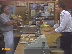 Harold Bishop, Des Clarke in Neighbours Episode 0678