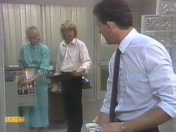 Jane Harris, Henry Ramsay, Des Clarke in Neighbours Episode 0678