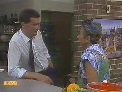 Des Clarke, Eileen Clarke in Neighbours Episode 0679