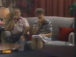 Harold Bishop, Nell Mangel in Neighbours Episode 0681