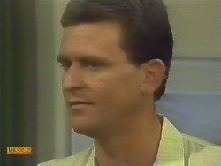 Des Clarke in Neighbours Episode 0681
