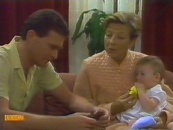 Des Clarke, Eileen Clarke, Jamie Clarke in Neighbours Episode 0682