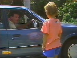 Des Clarke, Katie Landers in Neighbours Episode 0682