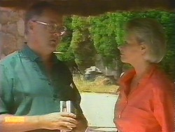 Harold Bishop, Helen Daniels in Neighbours Episode 0682