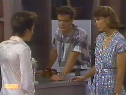 Gail Robinson, Paul Robinson, Beverly Marshall in Neighbours Episode 0682
