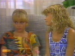 Jane Harris, Charlene Mitchell in Neighbours Episode 0682