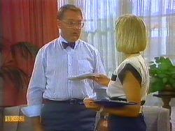 Harold Bishop, Sandra Lloyd in Neighbours Episode 0685
