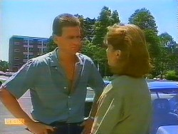 Des Clarke, Beverly Robinson in Neighbours Episode 0685