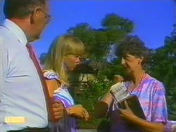 Harold Bishop, Jane Harris, Nell Mangel in Neighbours Episode 0685