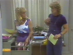Jane Harris, Henry Ramsay in Neighbours Episode 0692