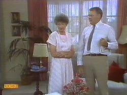 Nell Mangel, Harold Bishop in Neighbours Episode 0692