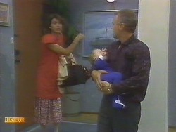 Beverly Robinson, Jamie Clarke, Jim Robinson in Neighbours Episode 0692
