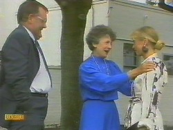 Harold Bishop, Nell Mangel, Jane Harris in Neighbours Episode 0693