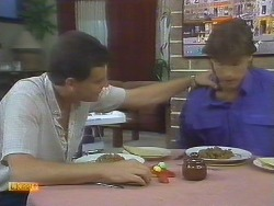 Des Clarke, Mike Young in Neighbours Episode 0693